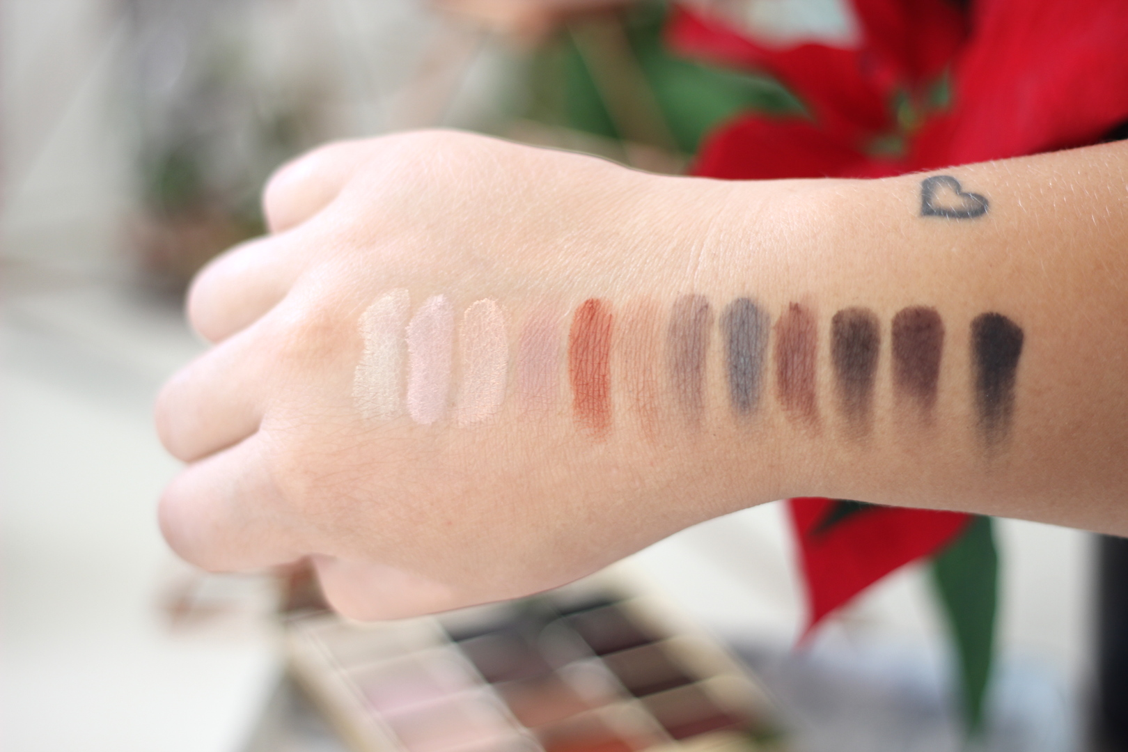 Stila Eyes Are the window Mind Palette swatches